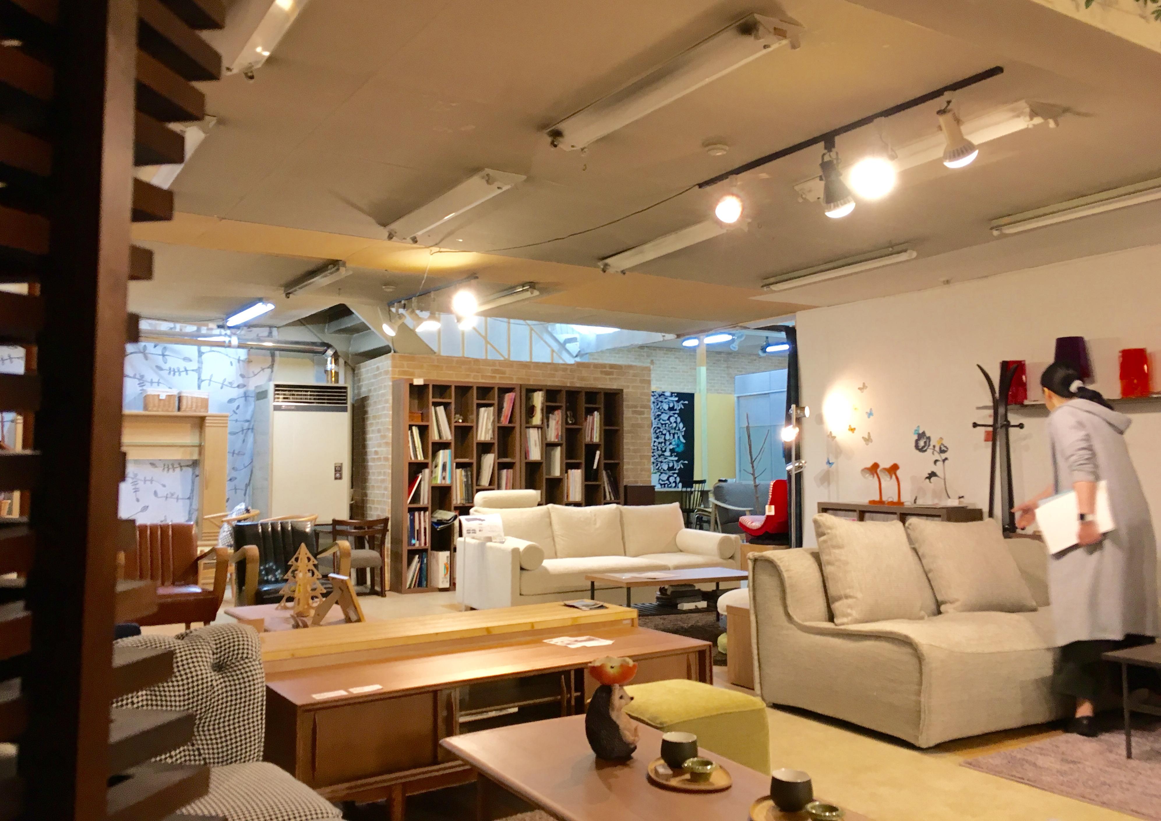 家具の藤倉店内2(米沢市)